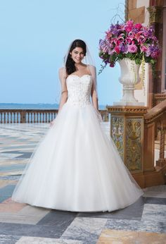 512 - Bruidsmode - Bruidscollecties - Bruidshuis Diana