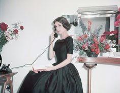オードリー・ヘップバーン Audrey Hepburn Photos, Audrey Hepburn Style, Vintage Hollywood, Hollywood Glamour, Norma Jeane, Classy Women, Classy People, Classic Beauty, Lady