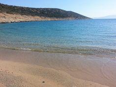 Εδώ ο χρόνος σταματά: Στο νησί με τις 18 παραλίες που μπορείς να πας ποδαράτο, θα κάνεις τις καλύτερες διακοπές της ζωής σου (Pics) Greece, Beach, Water, Outdoor, Greece Country, Gripe Water, Outdoors, The Beach, Beaches