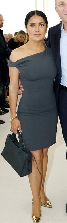 Who made  Salma Hayek's gray dress?
