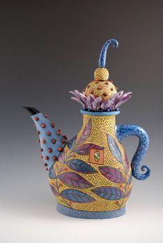 Ceramic Art Teapot by SOTS Natalia (Natalya Sots) .via Talk to LiveInternet - Russian Service Online Diaries Pottery Teapots, Clay Teapots, Pottery Art, Ceramic Decor, Ceramic Clay, Teapots Unique, Creative Coffee, China Tea Sets, Mad Hatter Tea