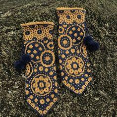 67 New ideas crochet christmas stocking pattern fair isles Crochet Mittens, Crochet Gloves, Mittens Pattern, Knitted Hats, Ravelry Crochet, Baby Mittens, Fingerless Mittens, Baby Knitting Patterns, Loom Knitting
