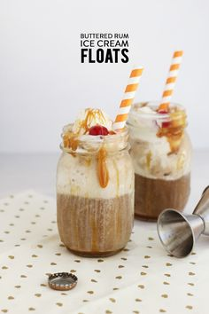 Boozy Buttered Rum Ice Cream Floats | Photography: Freutcake - www.freutcake.com