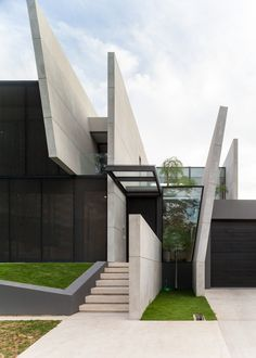Image 3 of 51 from gallery of JJ House / Ivan Priatman Architecture. Courtesy of Ivan Priatman Architecture Images, Modern Architecture House, Facade Architecture, Amazing Architecture, Modern Bungalow House, Modern House Design, Futuristic Home, 3d Max, Facade Design