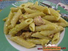 Pasta fiori di zucchine e luganega - Gustose ricette di cucina