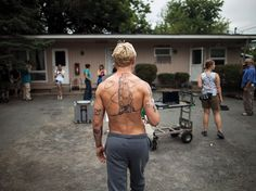 ryan gosling the place beyond the pines on set