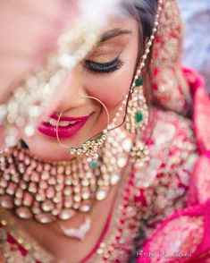 54 Ideas Indian Bridal Poses Photo Ideas Pictures For 2019 Indian Wedding Couple Photography, Wedding Couple Poses, Bride Photography, Party Photography, Mobile Photography, Fashion Photography, Pre Wedding Photoshoot, Bridal Shoot, Wedding Shoot