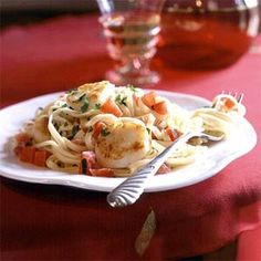 Pan-Seared Scallops on Linguine with Tomato-Cream Sauce