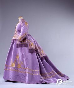 Three-piece dress in taffeta, made in Italy 1867. Courtesy Galleria del Costume di Palazzo Pitti, all rights reserved.