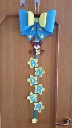 Diy Crafts For Home Decor, Baby Crafts, Creative Crafts, Felt Crafts, Handmade Crafts, Paper Crafts, Hospital Door Decorations, Diy Exploding Box, Paint Chip Cards