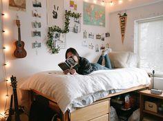 Uni Room, College Dorm Rooms, Chic Dorm, Dorm Room Designs, Cute Dorm Rooms, Dorm Ideas, Room Inspiration, Bedrooms, Bedroom Decor