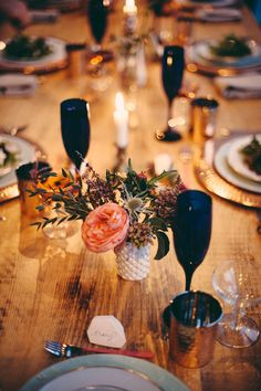 love this relaxed tablescape // photo by JBM Photography, styling by @Ash Huang Orzol and @j o v e p h o t o g r a p h y Meyer Events http://ruffledblog.com/aztec-winter-wedding-inspiration #tablescapes #receptions