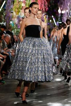 Christian Dior Spring 2014 Ready-to-Wear Fashion Show: Complete Collection - Style.com
