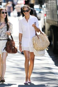 Olivia Palermo goes all white - and we LOVE that natural pom pom tote