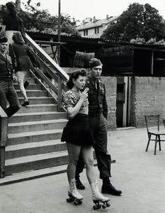 The Intensity Of Wartime Romance In 20 Rare Historical Photos. - http://www.lifebuzz.com/make-love/