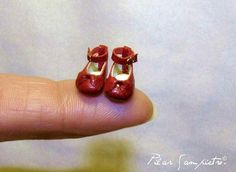 Shoes infant miniature scale 1/12 red leather by AnandaMiniaturas, €25.75