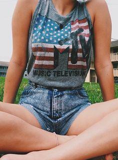 love this mtv shirt