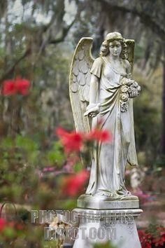 Angel Statue at Bonaventure Cemetery in Savannah Georgia