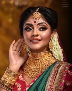 Indian Bridal Photos, Indian Bridal Fashion, Bridal Pictures, Wedding Photos, Bengali Bridal Makeup, Bridal Makeup Looks, Bridal Looks, Indian Wedding Couple Photography, Bride Photography