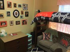 University of Alabama Dorm DIY photo wall - great job Katie & Ben! Dorm Hacks, University Of Alabama, Diy Photo, Bunk Beds, Corner Desk, Photo Wall, College, Sweet, Furniture