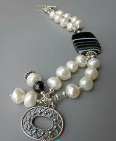 Bracelet perle et noir