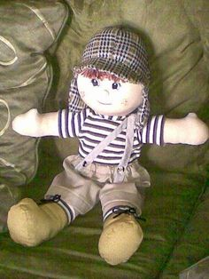 FELTRO MOLDES ARTESANATO EM GERAL: Abril 2014 Doll Clothes Patterns, Doll Patterns, Handmade Toys, Handmade Crafts, Sewing Crafts, Sewing Projects, Handmade Stuffed Animals, Sock Animals, Cute Teddy Bears