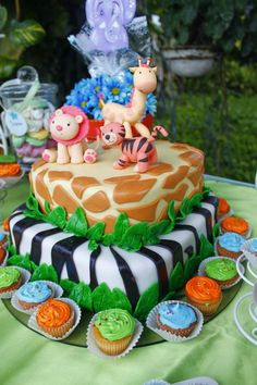 Baby Shower Safari Cake Also wonder if Shannon could make this for me