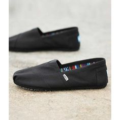 TOMS Classic Shoe ($38) ❤ liked on Polyvore featuring men's fashion, men's shoes, black, mens woven leather slip-on shoes, toms mens shoes, mens slipon shoes, mens leather shoes and mens shoes