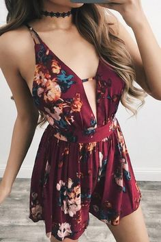ae9b49a8898 Floral Print Spaghetti Straps Backless Short Jumpsuit