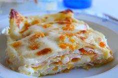 Lasagne con zucca, besciamella, prosciutto cotto e emmenthal Al Forno Recipe, Pasta Al Pesto, Prosciutto Cotto, Lasagna, Nom Nom, Food And Drink, Chips, Veggies, Diet