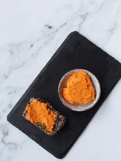 Morots- och tahiniröra – Vego Inspira. Carrot and tahini spread. Tahini, Carrots, Vegetarian Recipes, Food, Essen, Carrot, Meals, Yemek, Eten