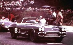 Early 60s Corvette race.