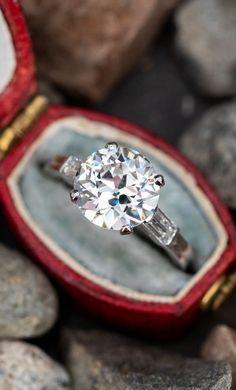 Vintage Tiffany 2 Carat ❤️ SKU EJ19658 Vintage Engagement Rings, Diamond Engagement Rings, Diamond Shapes, Diamond Cuts, Tiffany Rings, European Cut Diamonds, Baguette Diamond, 2 Carat, 1940s