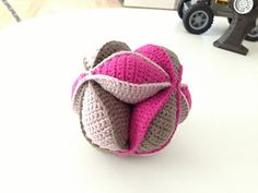 """crochetmelovely: """" Amish puzzle ball Crocheted by Dedri Uys, Elizzza and ZaraZ. Free pattern by Dedri Uys Video tutorial by Elizzza This is a pattern for a crochet version of the. Crochet Animals, Crochet Toys, Crochet Baby, Free Crochet, Knit Crochet, Amigurumi Patterns, Knitting Patterns, Crochet Patterns, Yarn Projects"""