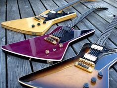 Gibson Explorer E/2  1979 - 1984    http://electricized.tumblr.com/post/18951039051/gibson-explorer-e2