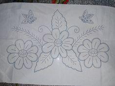 Hand Embroidery Design Patterns, Hand Embroidery Flowers, Hand Embroidery Patterns, Ribbon Embroidery, Cross Stitch Embroidery, Quilt Patterns, Embroidery Suits Design, Motif Mandala Crochet, Fabric Painting