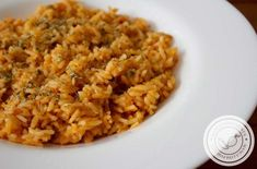 Arroz Mexicano - prepare um almoço diferente em casa! Arroz Recipe, Kitchen Tiles, Risotto, Mad, Easy Meals, Banana, Healthy, Ethnic Recipes, Bolo Chocolate
