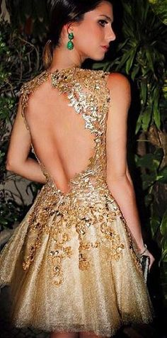 Gorgeous A-line Scoop Tulle Gold Open Back Short Homecoming Dress with Appliques