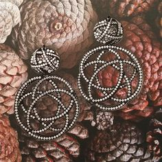 I am absolutely blown away by Hemmerle's brilliant design, engineering and craftsmanship, without fail, every single time.  #Hemmerle #iron #diamond #earrings #design #craftsmanship #art #style #oneofakind #munich #jewelswithstyle @hemmerle