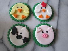 Farm animals cake oration - These are to purchase but are good to look off for ideas.