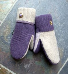 Petite Caja - culture nerd: 5 must have mittens (for adults) on Etsy