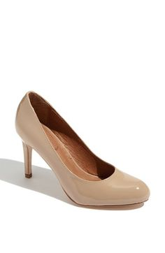 Free shipping and returns on Corso Como 'Del' Pump at Nordstrom.com. A supple leather lining and cushioned footbed lend exquisite comfort to a timeless round-toe pump balanced on a narrow wrapped heel.