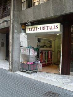 Teixits i Retalls  Floridablanca, 95 (entre Urgell i Borrell)