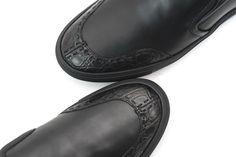 #Crocodile trim always adds flair.  |  Get yours! http://www.frieschskys.com/footwear #frieschskys #mensfashion #fashion #mensstyle #style #moda #menswear #dapper #stylish #MadeInItaly #shoes #MensShoes #leather #black