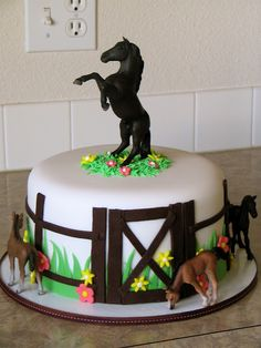 Horse Theme Birthday Party, Horse Party, Cowgirl Birthday, Cowgirl Party, Birthday Cake Girls, Horse Birthday Cakes, Birthday Ideas, 5th Birthday, Cowgirl Cakes