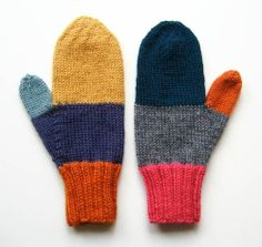 Knitting Patterns Gloves The fresh hand mittens off the needles and ready to keep your fingers warm. Mittens Pattern, Knit Mittens, Knitted Gloves, Yarn Projects, Knitting Projects, Crochet Projects, Free Knitting, Knitting Patterns, Crochet Patterns