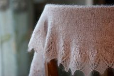 beautiful shawl by krentu, design by Susanna IC