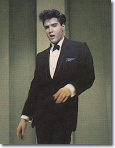 Elvis Presley - 'The Frank Sinatra Timex Special' - March 1960... oh yesss... sing it baby!!!