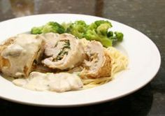 Chicken Stuffed With Basil and Mozzarella Cheese - Photo: Diana Rattray