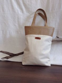 Tote bag by orshie on Etsy, Burlap, Reusable Tote Bags, Trending Outfits, Unique Jewelry, Handmade Gifts, Etsy, Style, Handcrafted Gifts, Hand Made Gifts